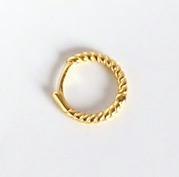 Pendientes Lulú Oro. Elegantísimos pendientes de aro gallonados dorados. Hechos en plata chapada en oro y en varios tamaños.