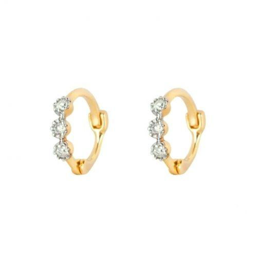 Pendientes de Aro Brillantitos Oro. Pendientes de aro dorados con tres diamantes. Son pequeños, pegaditos a la oreja.