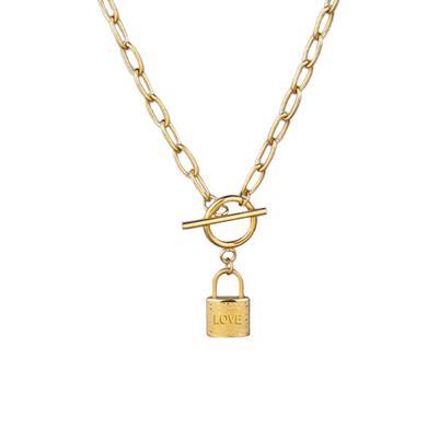 Collar Cadena Candado Dorado. Collar de cadena dorado de eslabones y colgante de candado. Collar cadena mujer en color oro con charm candado.