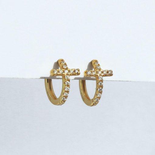 Pendientes Mini Cruz Oro. Pendientes de Aro pequeños dorados plateados de cruz mini con pequeñas circonitass.